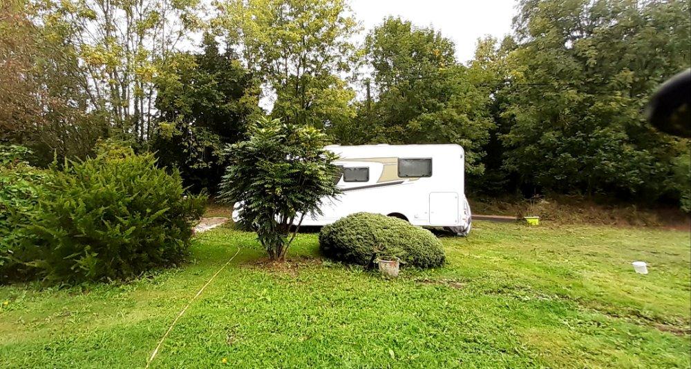 Aire camping-car à Elliant (29370) - Photo 3